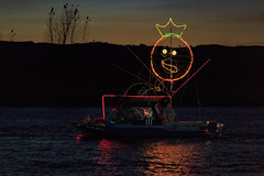60 Paint Trader-6646 (Christmas Ships Parade) Tags: 2017 christmasshipsparade columbiariver december holiday portlandoregon ships willametteriver boat captain captains lights tradition portland oregon usa
