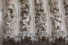 2018/08/21 16h10 portail de Notre-Dame de Paris (détail) (Valéry Hugotte) Tags: 24105 notredame notredamedeparis paris basrelief canon canon5d canon5dmarkiv démon portail sculpture paris4earrondissement îledefrance france fr