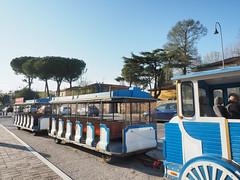 付費接駁車 | Pisa, Italy (sonic010739) Tags: olympus omd em5markii olympusmzdigital1240mm pisa italy