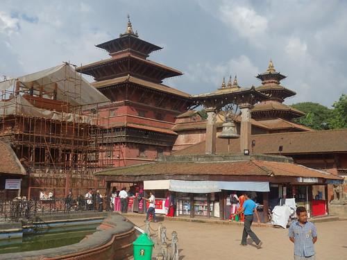 Nous voici à Patan, une ancienne cité royale près de l'école