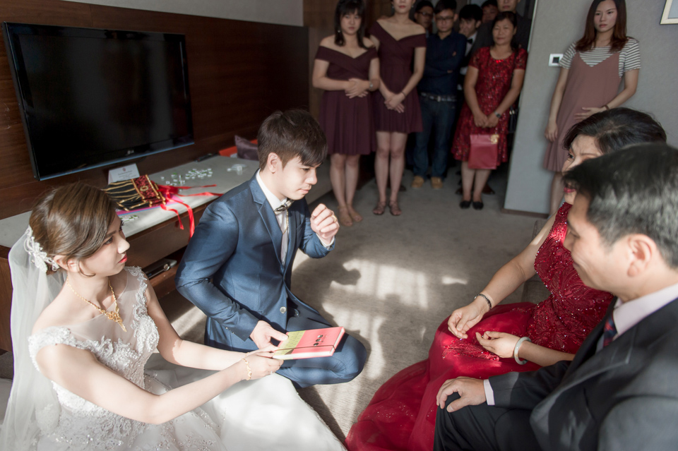 高雄婚攝 海中鮮婚宴會館 有正妹新娘快來看呦 C & S 058