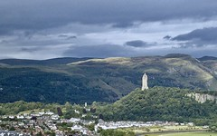 Wallace Monument (phthaloblu) Tags: williamwallacemonument stirling scotland ochilhills darkclouds abbeycraig uk