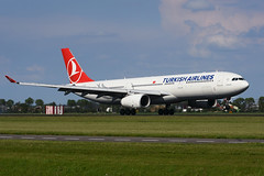 TC-JNO Airbus A330-343E EHAM 20-05-17 (MarkP51) Tags: tcjno airbus a330343e a330 turkishairlines tk thy amsterdam schipol ams eham noordholland netherlands airliner aircraft airplane plane image markp51 nikon d7100 d7200 aviationphotography