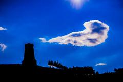 Връх Шипка (radoslav.bonev) Tags: shipka peak pico monumento monument bulgaria blue azul sky cielo clouds nubes canon700d mountain montaña montesbalcanes balkanmountains landscape paisaje