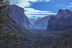 Tunnel View, Yosemite (Nikorasusan) Tags: america hiking walking nationalparks yosemitenationalpark yosemite halfdome elcapitan usa roadtrip americathebeautiful nature thegreatoutdoors outdoorsisfree california forests woods