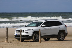 on the beach (jomaot) Tags: jeep beach sea cherokee kl 2018 jomaot water waves sand vacation offroad car vehicle fun denmark europe white