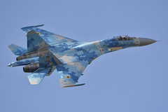 Flanker showing off its camo (Spaak) Tags: wash sukhoi su27 flanker fighter jet straaljager belgian air force days kleine brogel show airplane aircraft ukrainian повітряні сили україни 58