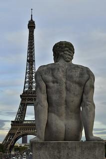 DE LA TARDE EN PARIS.