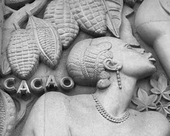 Cacao (chriskatsie) Tags: porte dorée museum musée art afrique océanie paris cacao chocolat wall migrant slave esclavage femme woman slavery fresque fresco histoire colonies