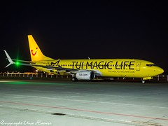 TUIfly D-ATUG HAJ at Night (U. Heinze) Tags: aircraft haj hannoverlangenhagenairporthaj eddv olympus night airlines airways airplane flugzeug planespotting plane