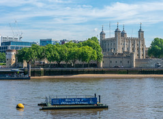 (DeepSane) Tags: london londonbridge thames river toweroflondon boat boats