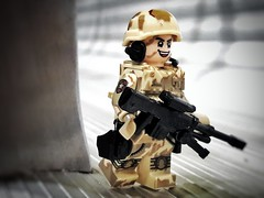 american boy (filipposartoris) Tags: lego bricks minifig soldier desert military photo