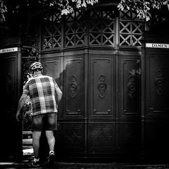 Pause muss sein! (ZaglFoto.de) Tags: de deutschland fotowalk bnw bnwstreet bnwstreetphoto bnwstreetphotographer bnwstreetphotography stadtlandschaft street streetphoto streetphotographer streetphotography urban