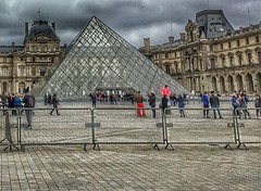Louvre  - Paris - France  ~   I.M. Pei's glass pyramid in 1989 ~ Courtyard (Onasill ~ Bill Badzo - 54M View - Thank You) Tags: he louvre museum historic monument building architecture pyramid glass triangle chinese american i m pei architect courtyard clouds sky city paris france landmark history largest onasill seine river mustsee travel tourist french central pano panorama site europe people