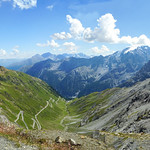 Viewpoint rest at Stelvio pass near Rifugio Garibaldi thumbnail