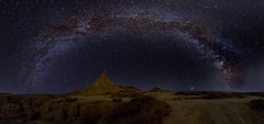 El Guardián 3.0 (misterkoma) Tags: canon 6d 1635 f4 is l astro pic noche via lactea milky way dark bardenas game thrones long exposure castil navarra sky cielo estrella star