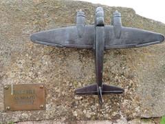 UK - Scotland - West Lothian - Wilkieston - Jupiter Artland - Hare Hill (JulesFoto) Tags: uk scotland westlothian wilkieston jupiterartland sculpturepark aeroplane
