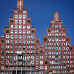 Amsterdam Pyramids (Paul Brouns) Tags: architecture architectuur architektur архитектура амстердам фасад amsterdam facade triangles triangular pyramid pyramids piramides dutch holland the netherlands windows straight urban tapestry tapestries brick building residential