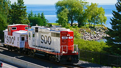 Soo Line GP30 700 & Soo Line Railroad Caboose No. 1, Lakewalk - Duluth MN USA, 09/06/18 (TonyM1956) Tags: elements sonyalphadslr sonyphotographing tonymitchell