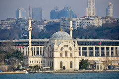 Dolmabahçe Mosque (itchypaws) Tags: bosphorus strait ferry dolmabahçe mosque palace 2018 istanbul turkey europe holiday vacation