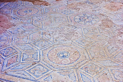 Thessaloniki: Galerius Palace Complex Mosaics III (ARKNTINA) Tags: thessaloniki thessalonikigreece greece gr18 europe eur18 random6 city building architecture urban galeriuspalacecomplex ruins ancientruins romanruins ancientromanruins archaeologicalsite archaeology mosaics