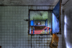 Chambre (à gaz) avec vue (urban requiem) Tags: urbex abandonné lost old decay derelict guyane française 600d hdr 816 sigma usine factory abandoned abbandonato