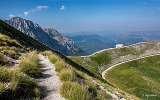 Sibillini - rifugio del Fargno e monte Bove