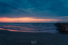 It Ain't Over 'til It's Over (Mariano Colombotto) Tags: sunset dusk cartagenadeindias cartagena colombia bocagrande nikon travel beach atardecer ocaso horizon sea mar cloudy clouds sky tones colours ngc summer water sand