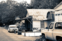 Harvey's Garage (Mike McCall) Tags: copyright2018mikemccall photography photo image usa culture southern america thesouth unitedstates northamerica south georgia stewart county lumpkin historic fineartphotography fineart art documentaryeditorial harveysgarage harveys garage automobile repair service car vehicle vernacular mundane commercial commerce business