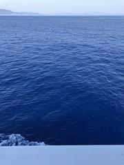 Kefalonia : Leaving Sami (Christophe Rose) Tags: blue bleu iphone8 iphone adriatic adriatique mer sea ferry greece grèce ionianislands îlesioniennes christopherose christophe rosé flickr ελλαδαhellas ελλάδα κεφαλονιά ιόνια νησιά ionionpelagos