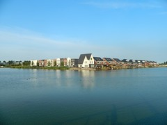 Westergouwe (www.rubenholthuijsen.nl) Tags: city house homes buildings lake westergouwe gouda netherlands 2018