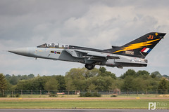 RAF Tornado F.3 ZE734 (philrdjones) Tags: 2009 50500 7dmkii airdisplay aircraft airshow avgeek bigma canon dslr egva ffd fairford fin gloucestershire july military panavia raf raffairford riat royalinternationalairtattoo sigma tornadof3 ze734