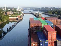 Nord-Ostsee-Kanal (Andreas Gugau) Tags: schiffe schiffahrt kanal nordostseekanal meer nordsee ostsee containerschiff wirtschaft container frachtschiff schleswigholstein deutschland deu