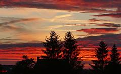 ...der Himmel brennt! (peterphot) Tags: abendstimmung himmel sonnenuntergang sachsen leica september