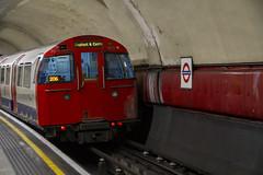 Northbound from Elephant & Castle (Hawkeye2011) Tags: uk 2018 london railway londonunderground tfl lul bakerlooline train tube
