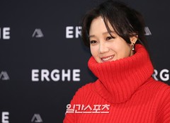 gong-hyo-jin95 (zo1kmeister) Tags: turtleneck sweater chinpusher