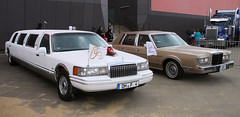 Town Cars (Schwanzus_Longus) Tags: bremen german germany us usa america american old classic vintage car vehicle sedan saloon lincoln town limo stretch limousine