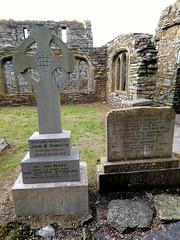 Tombes dans l'abbaye de Timoleague (Comté de Cork, Irlande) (bobroy20) Tags: cork timoleague kinsale abbaye europe ireland irlande eire europa abbey architecture défunt mémoire tombe
