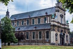 2018 - Belgium - Gent - Klein Begijnhof - 4 of 4 (Ted's photos - For Me & You) Tags: 2018 belgium cropped ghent nikon nikond750 nikonfx tedmcgrath tedsphotos vignetting unesco unescoworldheritagesite kleinbegijnhof ghentkleinbegijnhof kleinbegijnhofghent ghentbelgium church churchspire
