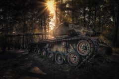 love not war! (Blacklight Fotografie) Tags: tank panzer lovenotwar abandoned decay forgotten rotten rusty crusty verlassen verfallen vergessen rostig licht lichtstimmung lost urbex hdr rost