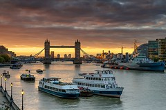 Early Bird (Andy Bracey -) Tags: bracey andybracey london thames riverthames sunrise orange hmsbelfast towerbridge architecture boats earlybird