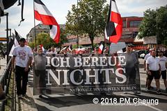 Rudolf-Heß-Gedenkmarsch 2018: Mord verjährt nicht! Gebt die Akten frei! Recht statt Rache  und Gegenprotest: Keine Verehrung von Nazi-Verbrechern! NS-Verherrlichung stoppen! – 18.08.2018 – Berlin –IMG_6263 (PM Cheung) Tags: rudolfhessmarsch wwwpmcheungcom berlin mordverjährtnichtgebtdieaktenfreirechtstattrache neonazis demonstration berlinspandau spandau friedrichshain hesmarsch rudolfhes 2018 antinaziproteste naziaufmarsch gegendemonstration 18082018 blockade npd lichtenberg polizei platzdervereintennationen polizeieinsatz pomengcheung antifabündnis rechtsextremisten protest auseinandersetzungen blockaden pmcheung mengcheungpo pmcheungphotography linksradikale aufmarsch rassismus facebookcompmcheungphotography keineverehrungvonnaziverbrechernnsverherrlichungstoppen antifaschisten mordverjährtnicht rudolfhesmarsch sitzblockaden kriegsverbrechergefängnisspandau nsdap nskriegsverbrecher geschichtsrevisionismus nsverherrlichungstoppen hitlerstellvertreterrudolfhes 17august1987 rathausspandau ichbereuenichts b1808 festderdemokratie verantwortungfürdievergangenheitübernehmen–fürgegenwartundzukunft rudolfhessmarsch2018 rudolfhesgedenkmarsch rudolfhesgedenkmarsch2018