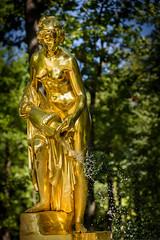 Saint Petersburg, Peterhof Palace (Michaël83) Tags: russie russia росси́я rossiya saintpetersburg санктпетербу́рг sanktpeterburg nikon d750 tamronsp2470mmf28divcusd peterhofpalace peterhof palace петерго́ф statue canonfrance