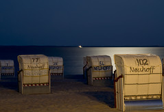 nightshot at the beach (kalakeli) Tags: grömitz balticsea ostsee august 2018 strandkörbe strand beach moonlight longexposure langzeitbelichtung 60secs