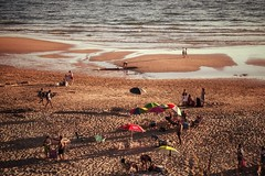 Ein Tag am Meer... (hobbit68) Tags: wasser water meer fujifilm xt2 strand beach playa menschen people sonne sunset sonnenschirm sun sunshine sommer summer holiday urlaub spanien  espanol espana espagne spain andalucia andalusien