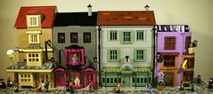 DiagonAlley1 (caatusmolotus) Tags: lego harrypotter diagonalley floreanfortescue flourishblotts weasleyswizardwheezes madammalkinsrobes fantasy house wizard london