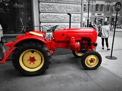 A Porsche Diesel Standard. Seen at Мясницкая Улица, Москва. (Rudike) Tags: moskou moscow rood porschedieselstandard traktor porsche