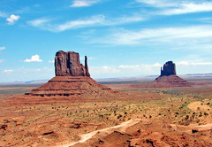 Monument Valley, Navajo Nation, AZ 2009 (inkknife_2000 (9.5 million views)) Tags: navajonation arizona monumentvalley dgraham photo openspaces desert skyandclouds solitude themittens verylargethings