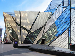 Royal Ontario Museum, Toronto, Canada (duaneschermerhorn) Tags: toronto ontario canada city urban downtown architecture building skyscraper structure highrise architect modern contemporary modernarchitecture contemporaryarchitecture