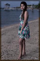 Yami Flores (01_0011A) (ronnie.savoie) Tags: africanamerican black noir negra woman mujer chica muchacha girl pretty guapa lovely hermosa browneyes ojosnegros brownskin pielcanela portrait retrato model modelo modèle smile sonrisa sandybay roatan roatán honduras hondureña catracha bayislands islasdelabahía diaspora africandiaspora